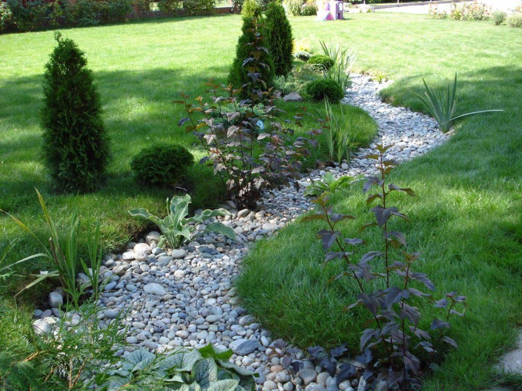 Сухой ручей - оригинальный дизайн на садовом участке
