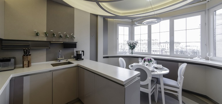 Объединение лоджии с комнатой и кухней: расширяем пространство